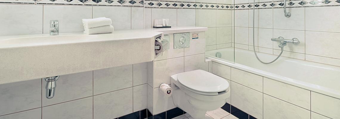 valk hotel antwerpen - badkamer.jpg