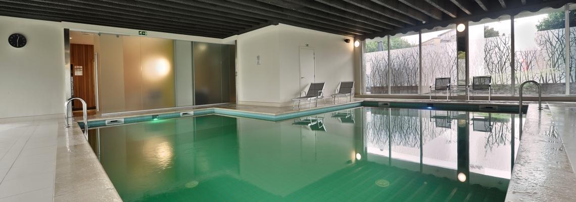valk hotel antwerpen - zwembad.jpg