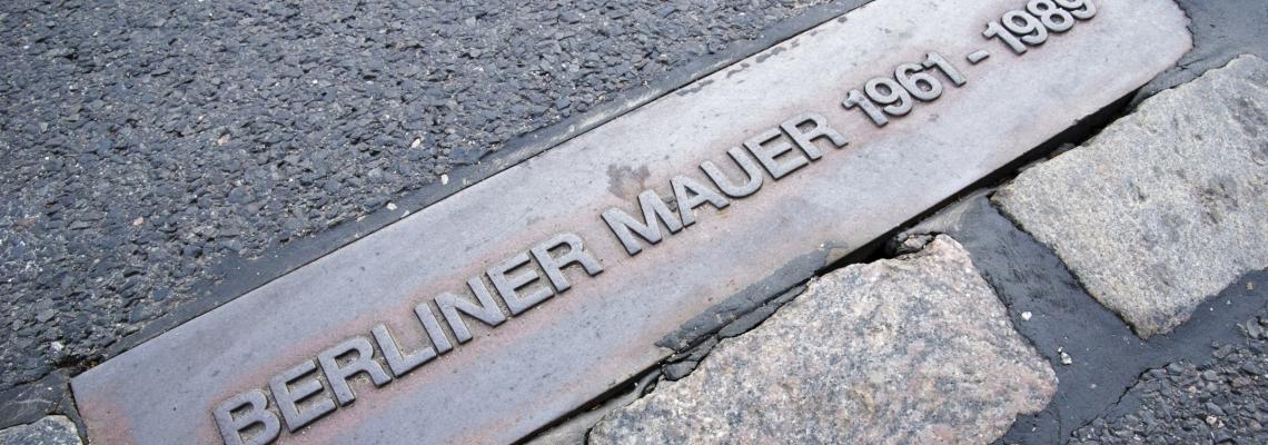 berlijn - bordje muur.jpg