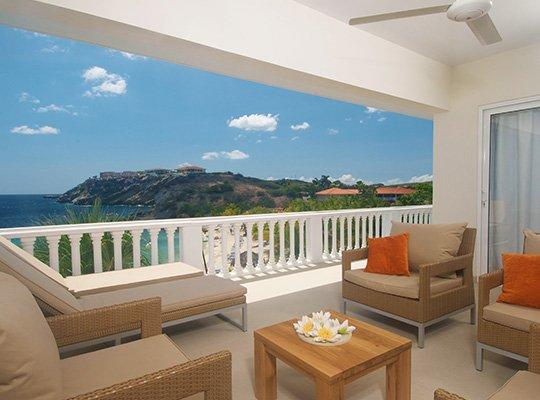 bluebay_balcony.jpg