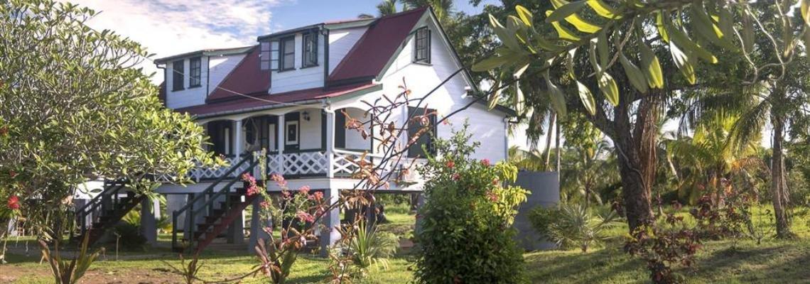 Suriname_Commewijne_Frederiksdorp_Plantagewoning