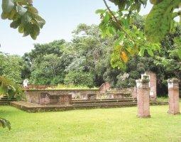 suriname _jodensavanne - ruïne synagoge.jpg