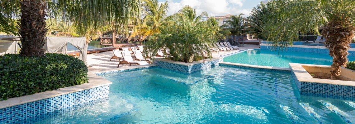 Curaçao, Acoya, zwembad