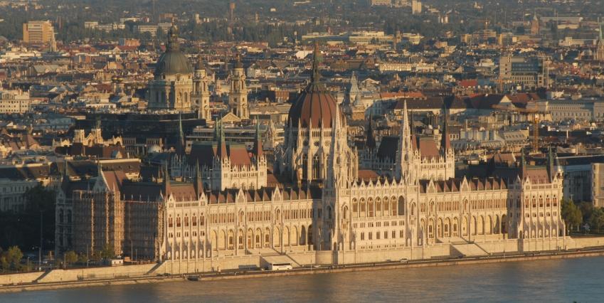 Busreis Boedapest Oostenrijk en Tsjechie gebouw