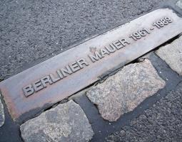 Duitsland - Berlijn - Muur plaat klein